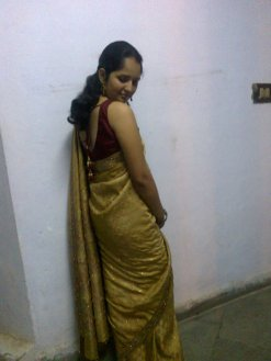 Posing with walls before heading out for an event - yup yup! This is before Farewell. I am wearing one of my favorite saris from mom's collection. Not such a good idea because it was really heavy and making sure it stayed in place consumed a lot of attention!